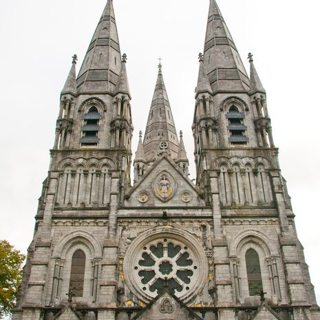 Travel picture of Saint Fin Barre's Cathedral