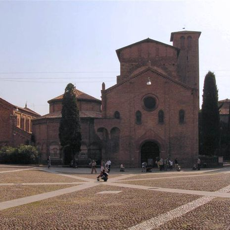 Travel picture of Basilica di Santo Stefano