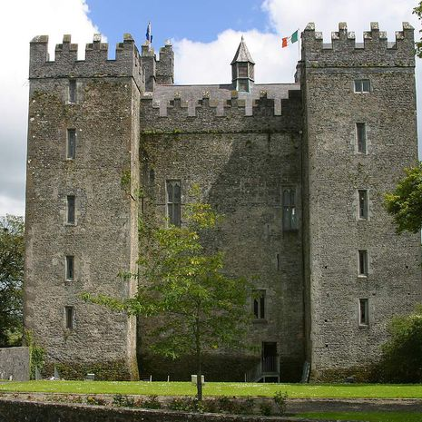Travel picture of Bunratty Castle