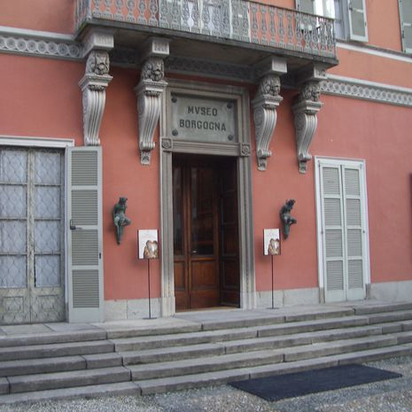 Travel picture of Museo Borgogna