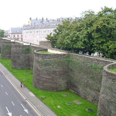 Travel picture of Roman walls of Lugo
